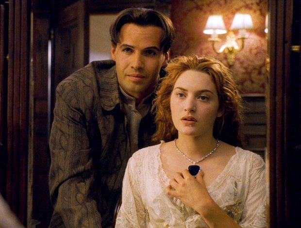 """Titanic: How Much Would The """"Heart Of The Ocean"""" Diamond Necklace Be Worth Today"""